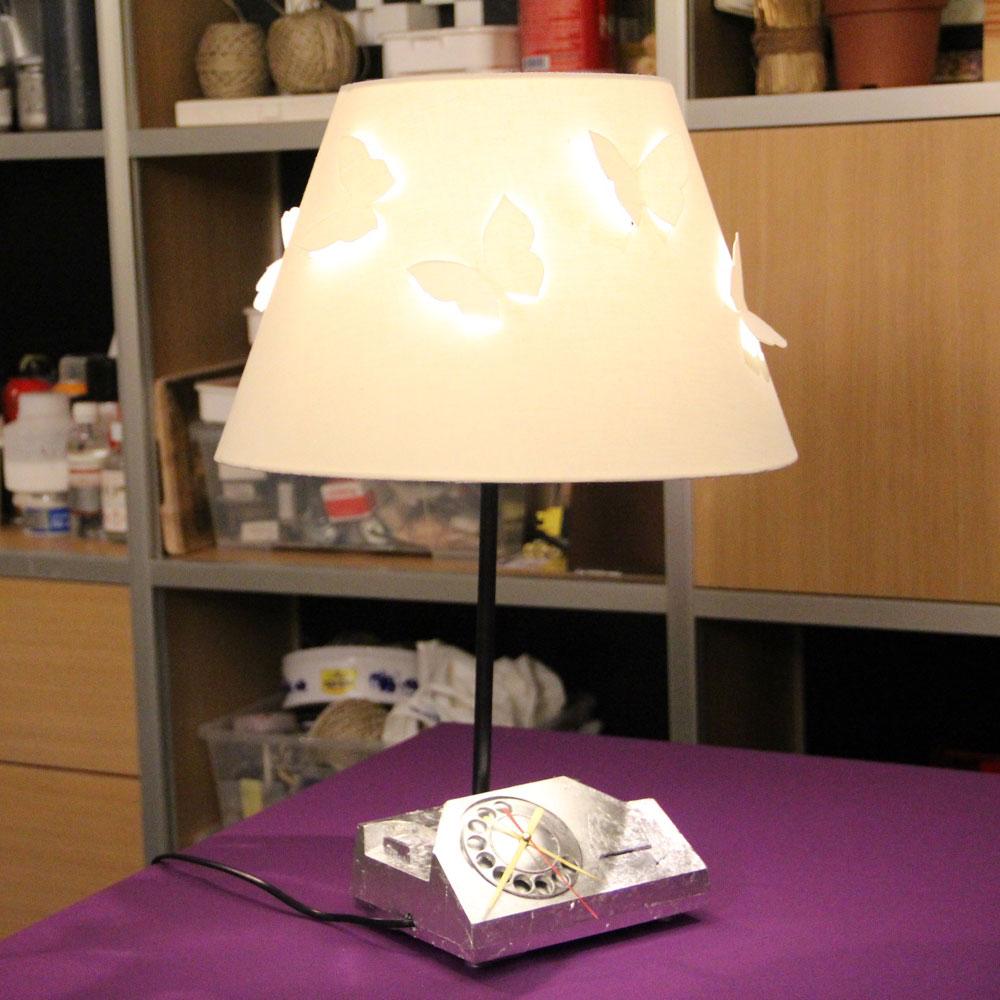 03-clock-and-lamp